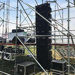 Alquiler de Sonido para eventos 8 por lado Alquiler de escenarios